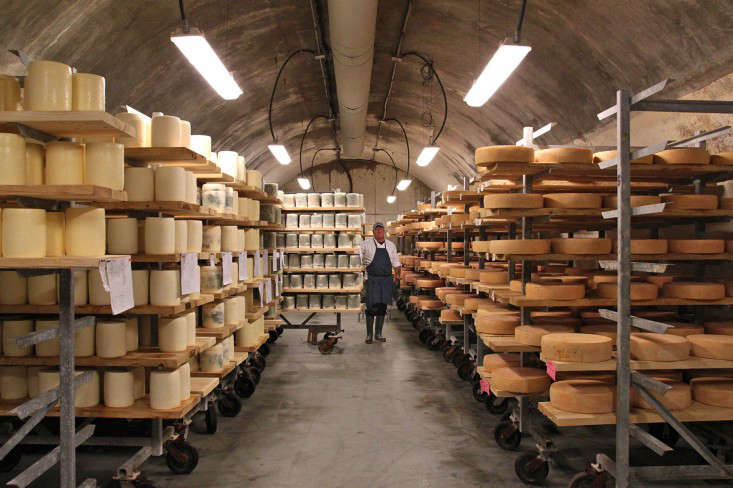 Jasper Hill Cheese Cellars, Wrapping Blue and Tolman cheeses, by Justine Hand for Gardenista_edited-1