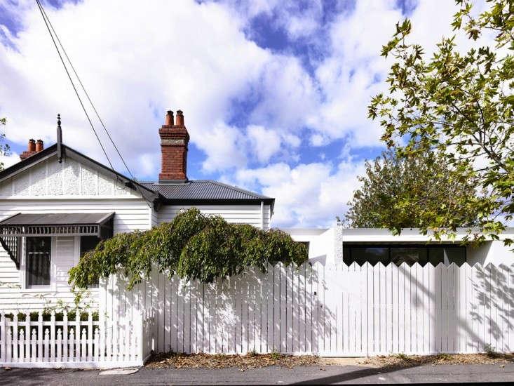 KNA_Westgarth_41-indoor-outdoor-living-gardenista