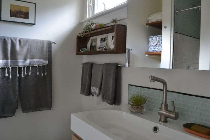 LA-garage-cottage-remodel-bathroom-Gardenista