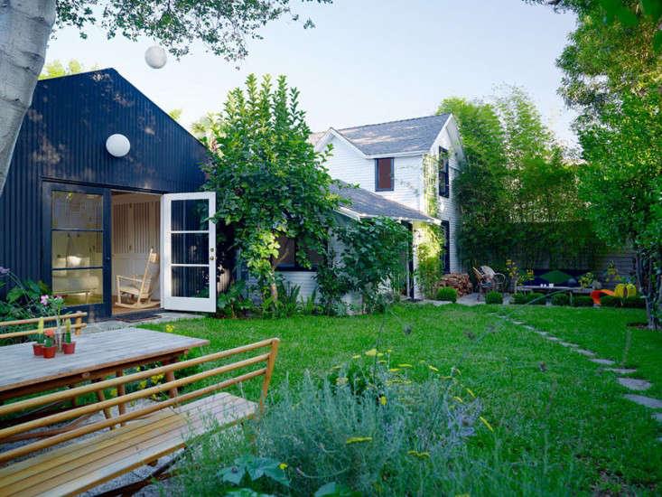 Los-Feliz-cottage-outbuilding-Alexandra-Angle-gardenista