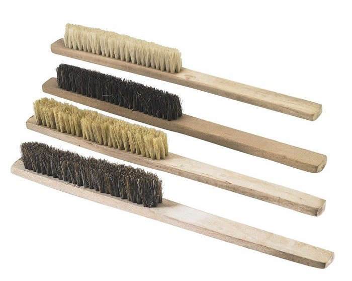 Natural-Bristle-Washout-bench-brushes-Gardenista