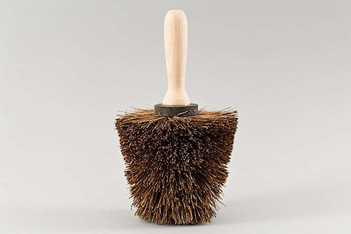 Nutscene-Pot-Brush-gardenista
