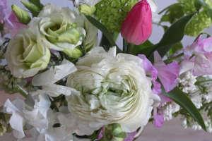 Ode-to-Spring-Bouquet-detail-3-Justine-Hand-Gardenista.jpg