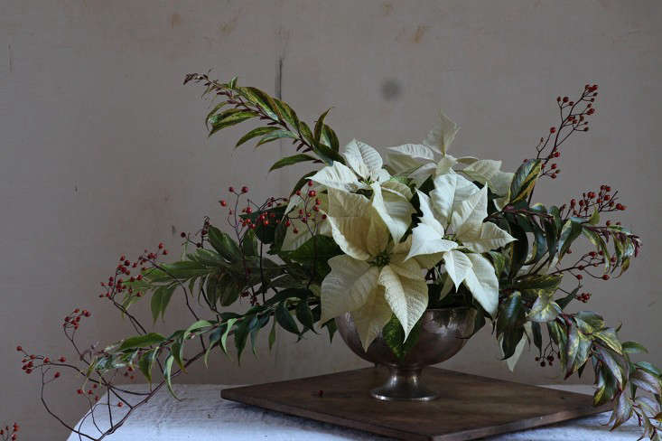 Poinsettia bouquet with rose hips, finished arrangement 2, by Justine Hand for Gardenist