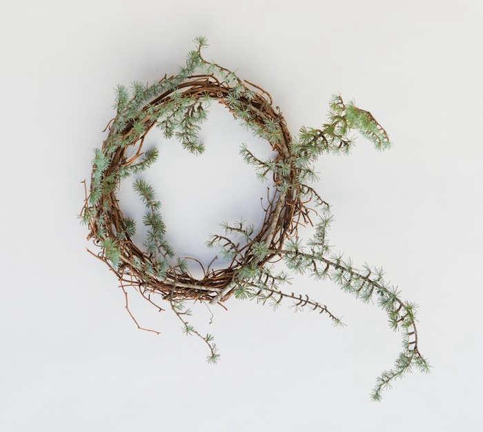Pussy-Willow-Wreath-Recipe-Step2-Gardenista
