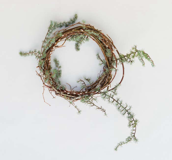 Pussy-Willow-Wreath-Recipe-Step3-Gardenista
