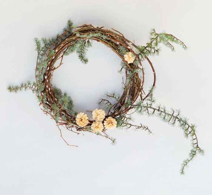Pussy-Willow-Wreath-Recipe-Step4-Gardenista