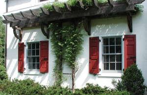 Red Panel Shutters, Gardensita