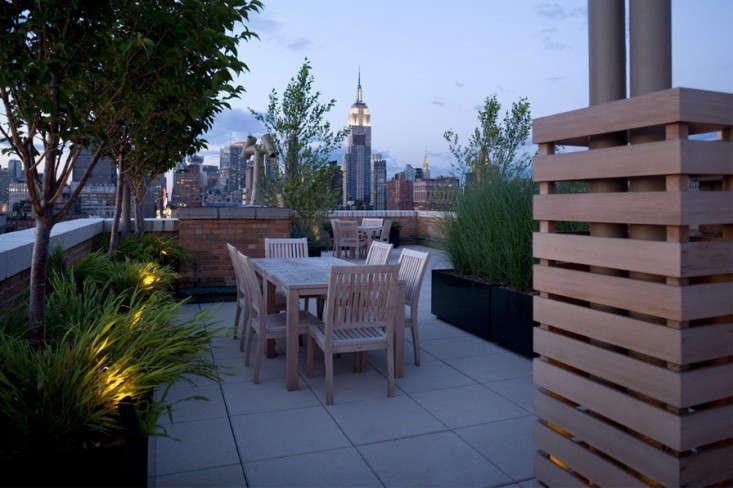 Robin_Key_Chelsea_Coop_Rooftop_At_Twilight_Gardenista