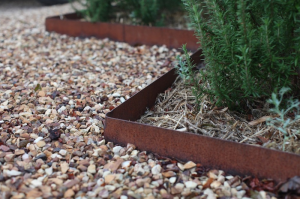 Rusted Steel Metal Edging, Gardenista
