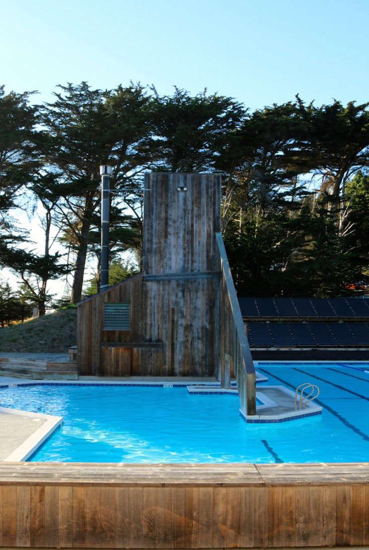 Sea-Ranch-Pool-Center-Meredith-Swinehart-Gardenista-20