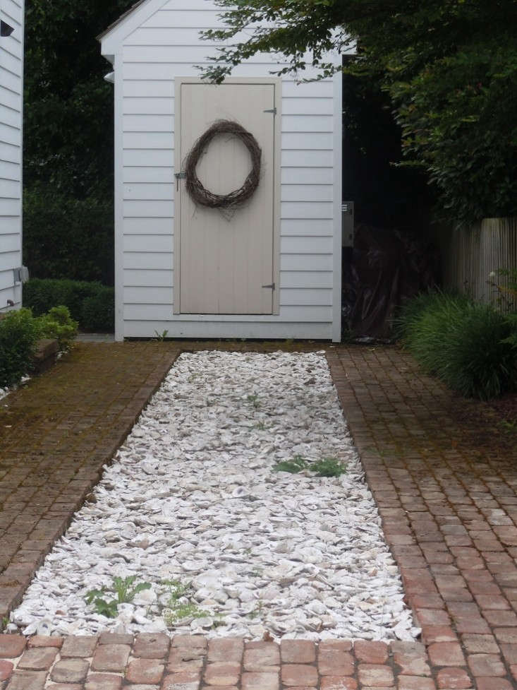 Seashell-Driveway-Pinterest-Denise-Stovell-Gardenista