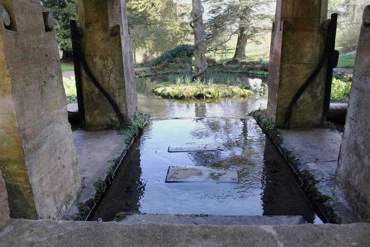Sezincote-bridge-inside