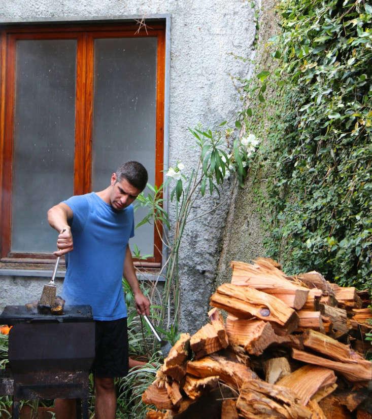 Summer-Courtyard-Garden-In-Italy-Gardenista-31
