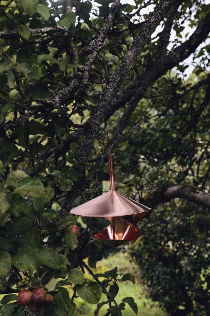 The-Garden-Edit-vogeli-bird-bath-02-Gardenista