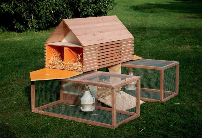 5 favorites backyard chicken coops for small flocks for Diy small chicken coop