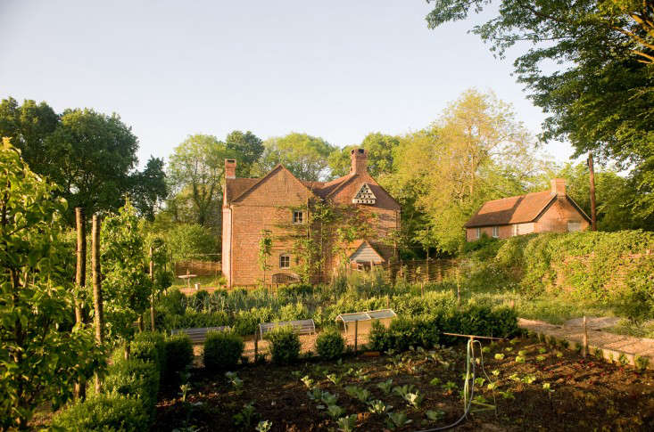 Walnuts-farm-Sussex-dovecote