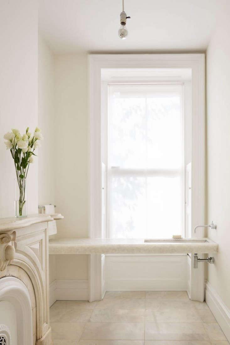 West-Village-Townhouse-Living-Wall--bathroom-Garden-Gardenista