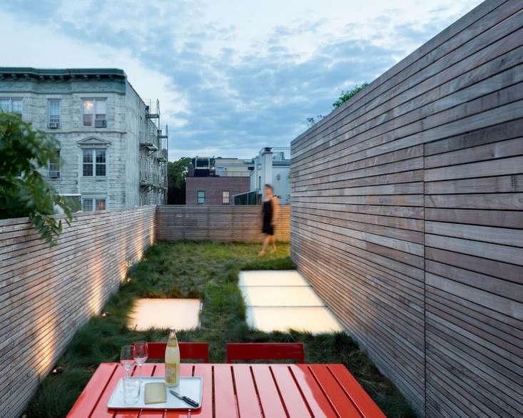 West-Village-Townhouse-Living-Wall-Garden-Gardenista