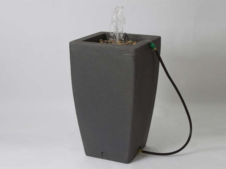 algreen-madison-rain-barrel-fountain-gardenista