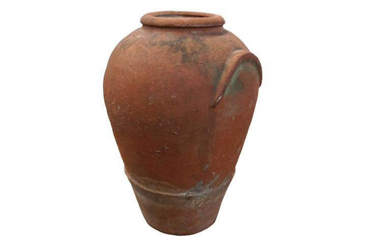 antique-terra-cotta-amphora-gardenista