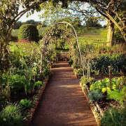 arne-maynard-kitchen-garden-design-gardenista-4
