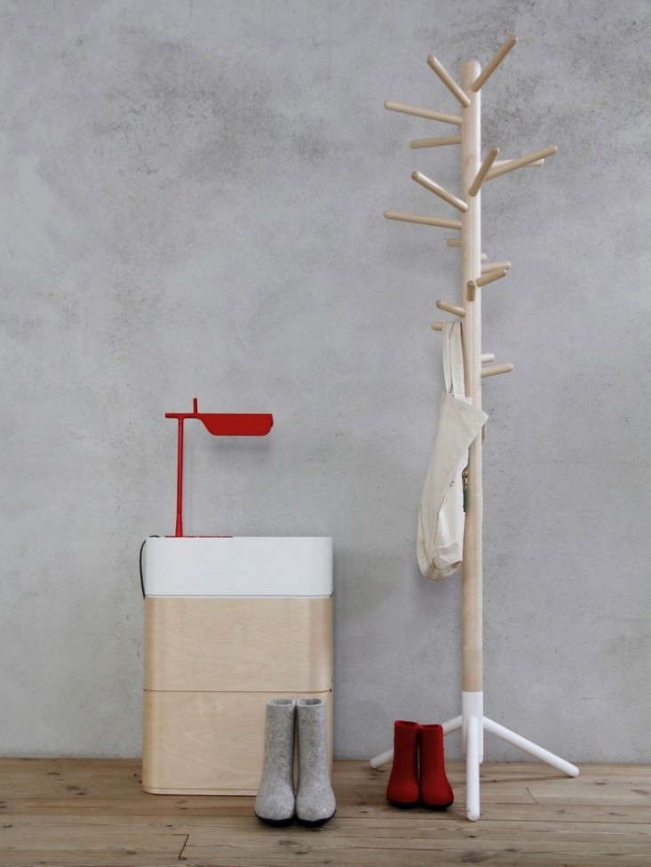 artek-coat-rack-gardenista