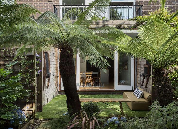 artificial-grass-london-garden-gardenista