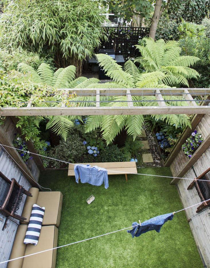 Hardscaping 101: Artificial Grass - Gardenista
