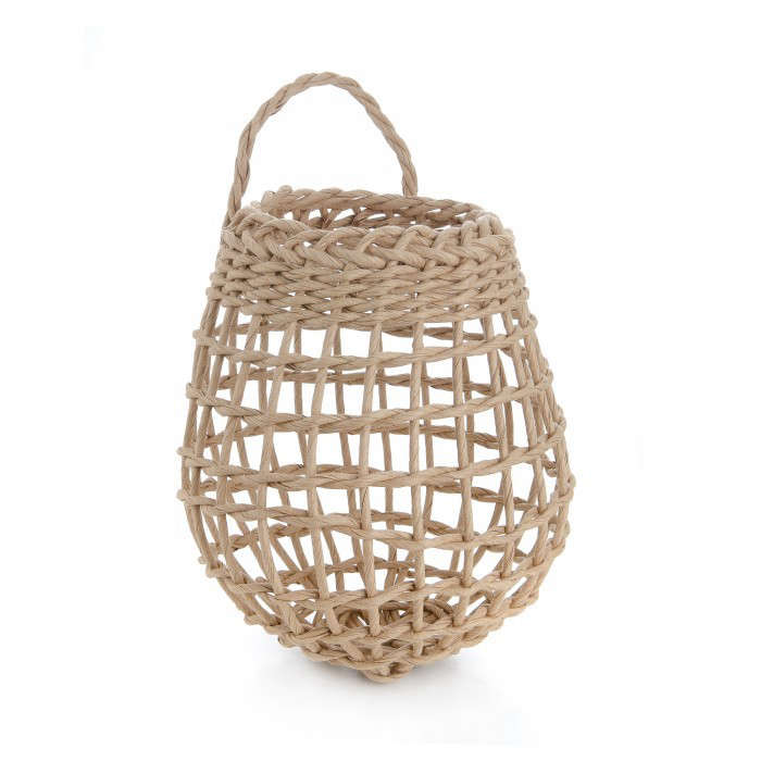How to weave a garlic basket : Easy pieces onion and garlic baskets gardenista