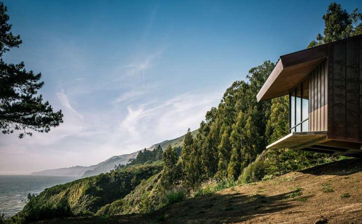 big-sur-cliffside-garden-fougeron-view-foundation-gardenista-1