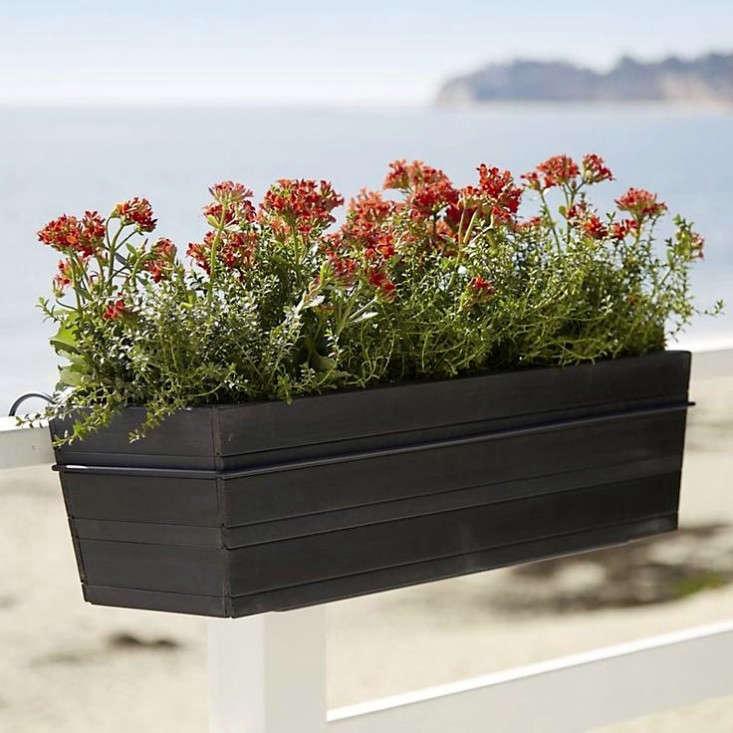 10 easy pieces black balcony box planters gardenista. Black Bedroom Furniture Sets. Home Design Ideas