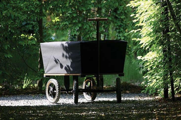 black-canvas-wagon-gardenista