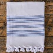 blue-and-white-bath-towel-gardenista