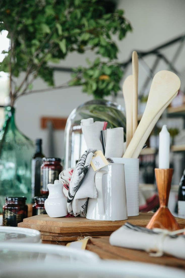 blueberry-cafe-samantha-maber-spoons-pitchers-gardenista