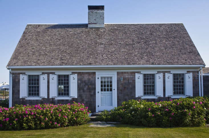 brewster-house-roses-exterior
