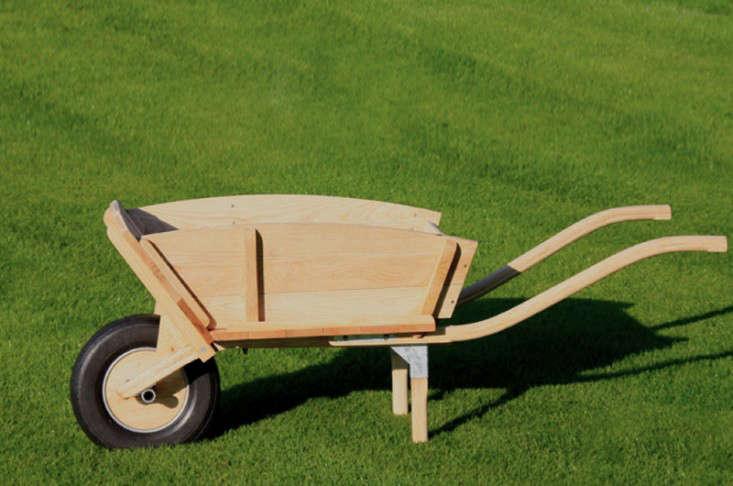 brouette-lamule-cart-gardenista