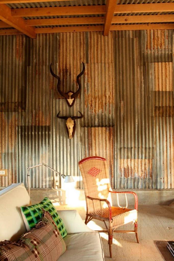 cabin-france-isabel-lopez-quesada-corrugated-metal-siding-gardenista