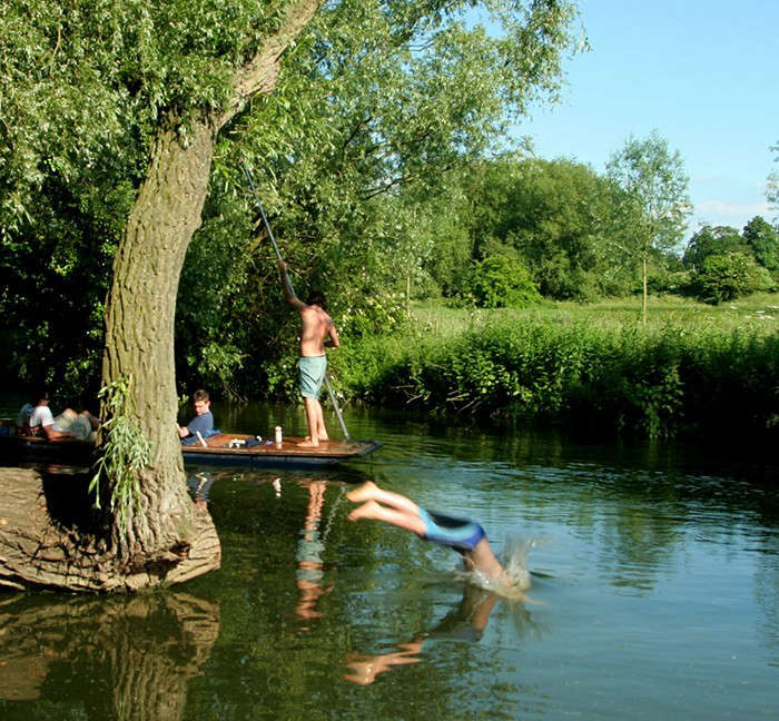 10 secret outdoor swimming holes gardenista Swimming pools in cambridge uk
