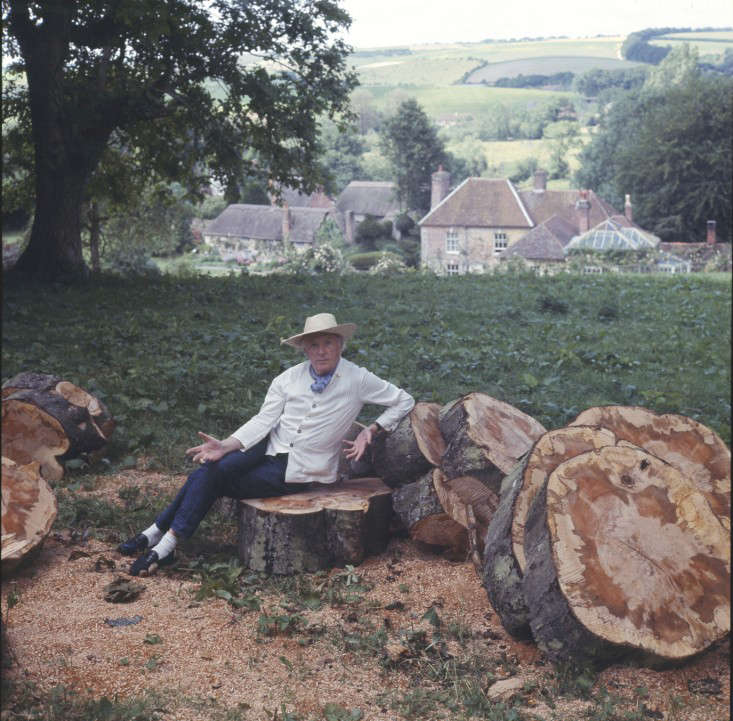 cecil in the woodpile_Sothebys Beaton Archive-crop