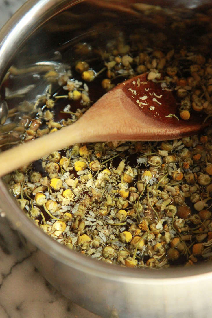 chamomile syrup steeping