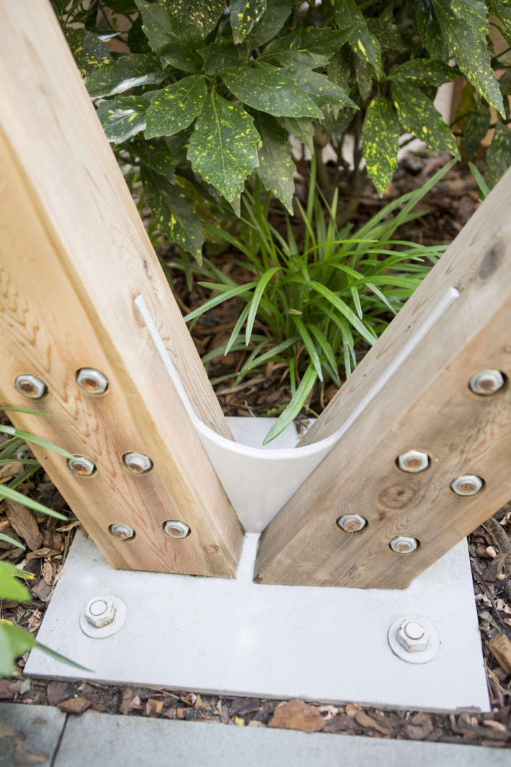 clinton-hill-new-eco-landscapes-hardware-detail-gardenista