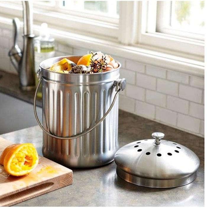 10 Easy Pieces: Kitchen Compost Pails: Gardenista