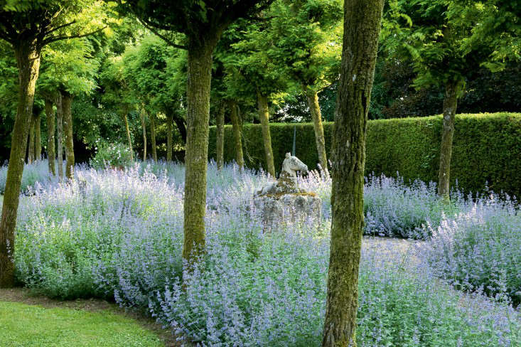 Required Reading The English Country House Garden Gardenista