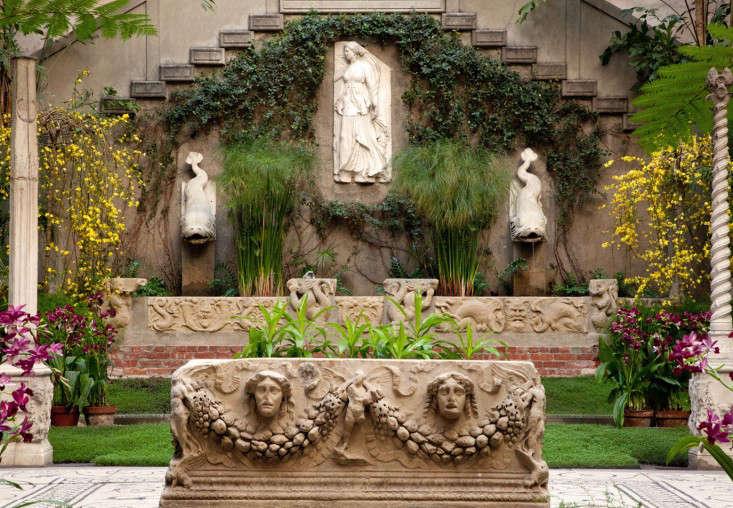 courtyard-4-isabella-stewart-gardener-museum-gardenista