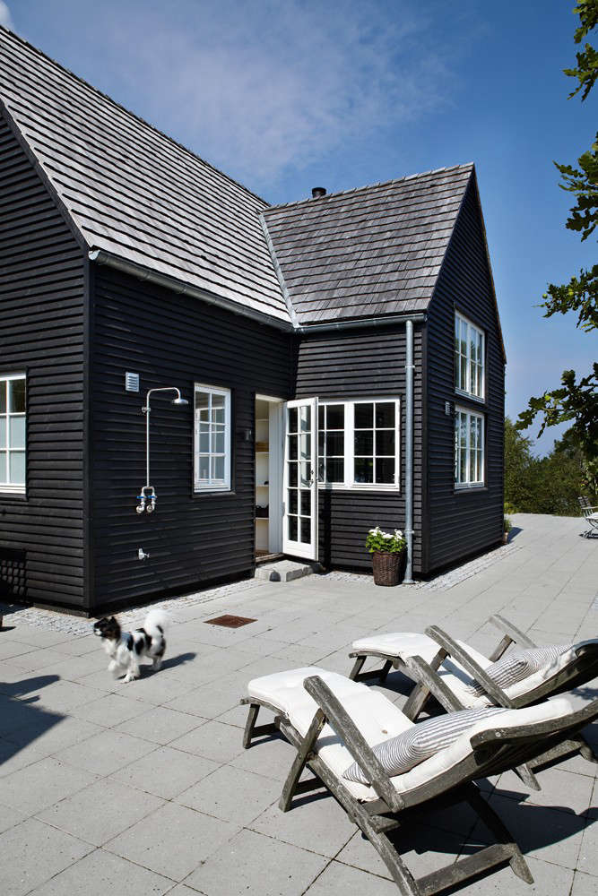 Danish Summer House Design: Steal This Look: A Danish Summer House With Outdoor Shower
