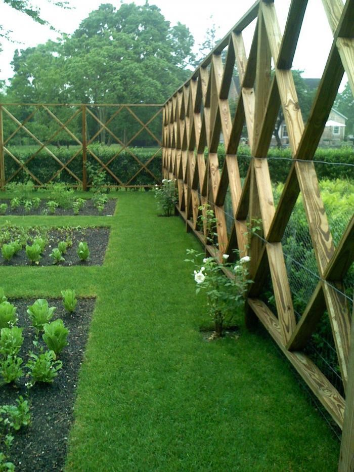 Hardscaping 101: Design Guide For Fences (Height, Styles