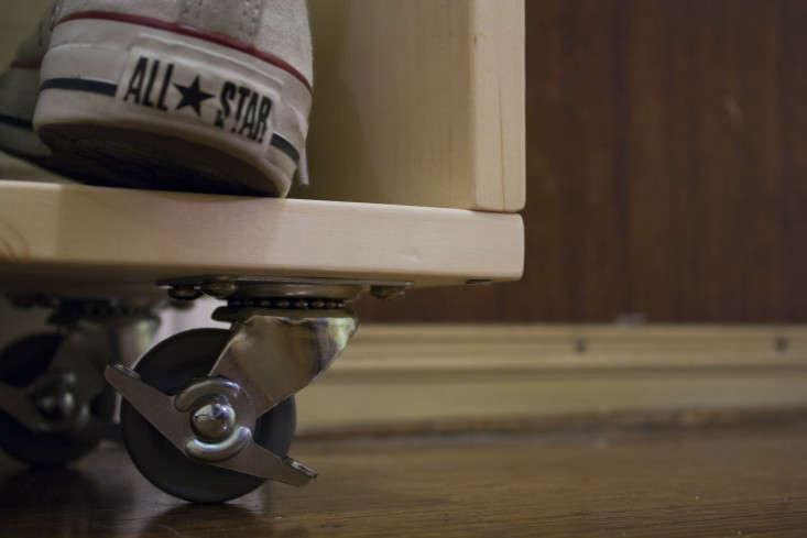 diy-mudroom-small-space-shoe-rack-garenista