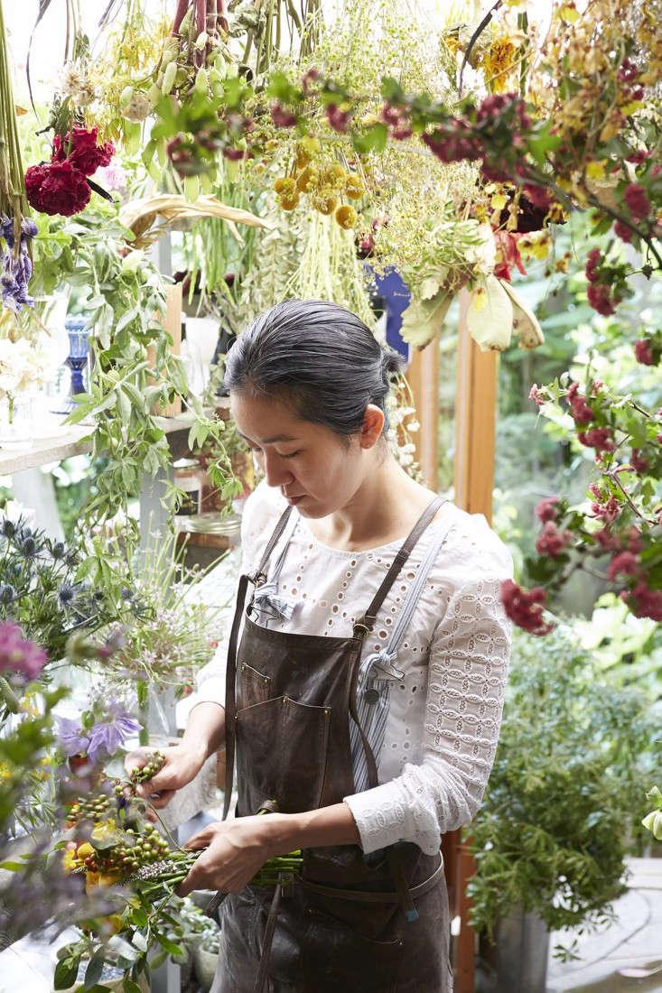 eatrip-little-flower-shop-tokyo-aya-brackett-gardenista-18