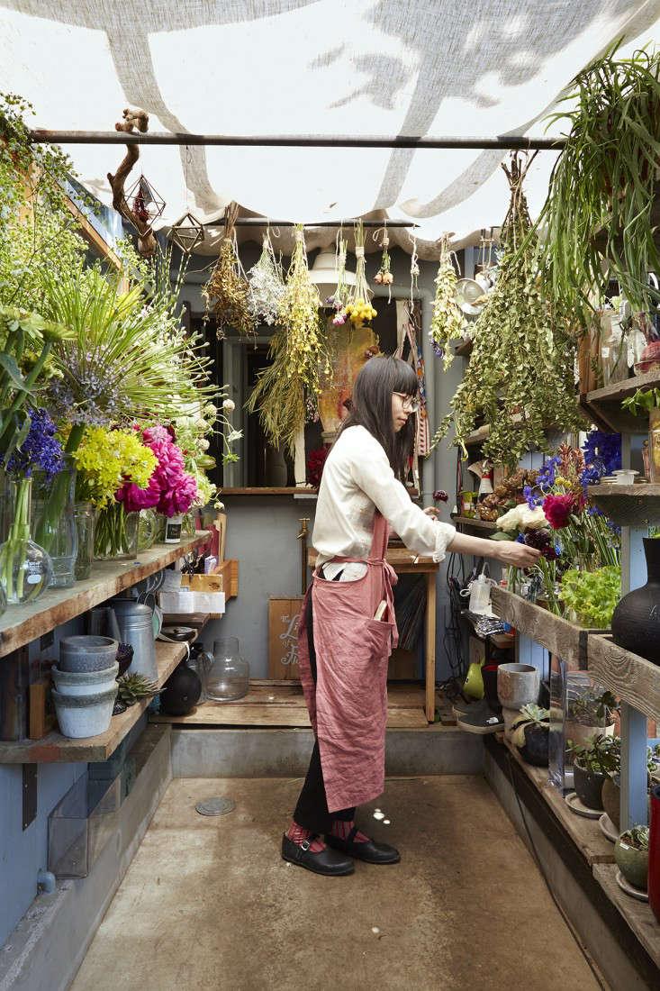 eatrip-little-flower-shop-tokyo-aya-brackett-gardenista-9